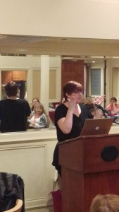 Darynda speaking to RWA San Diego.